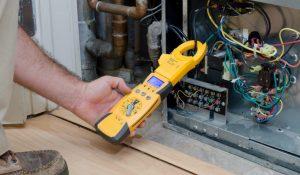 Furnace Manometer Checking Gas Pressure 1024x597 1